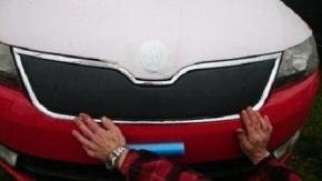Cubre parrilla de radiador de invierno para RAPID/SPACEBACK 5D